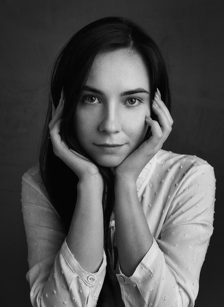 Sesja kobieca w czarno-białej odsłonie